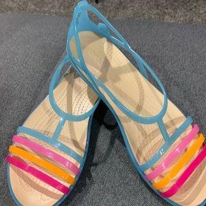 Ladies Crocs size 10. New so comfy.